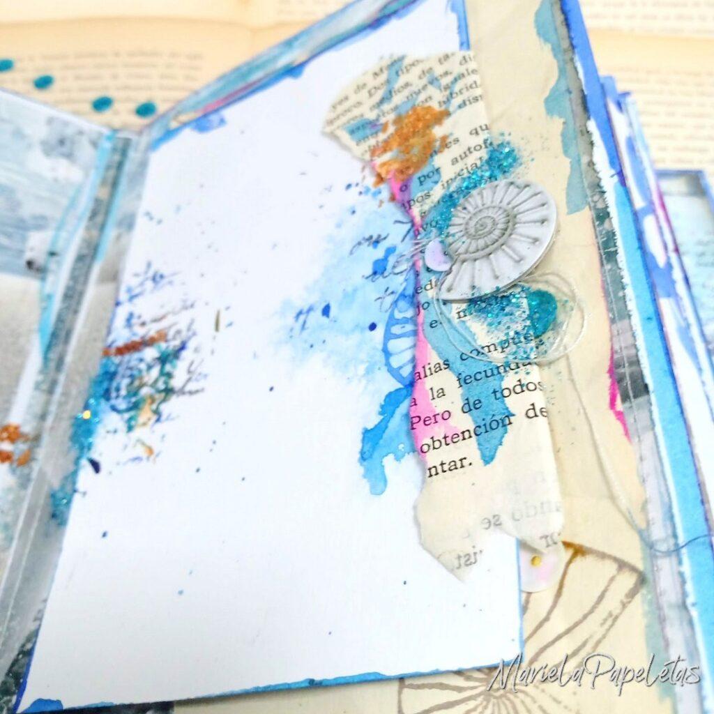 Detalle de Mini álbum mixed media, Papeles Artic & Antartic de Stamperia